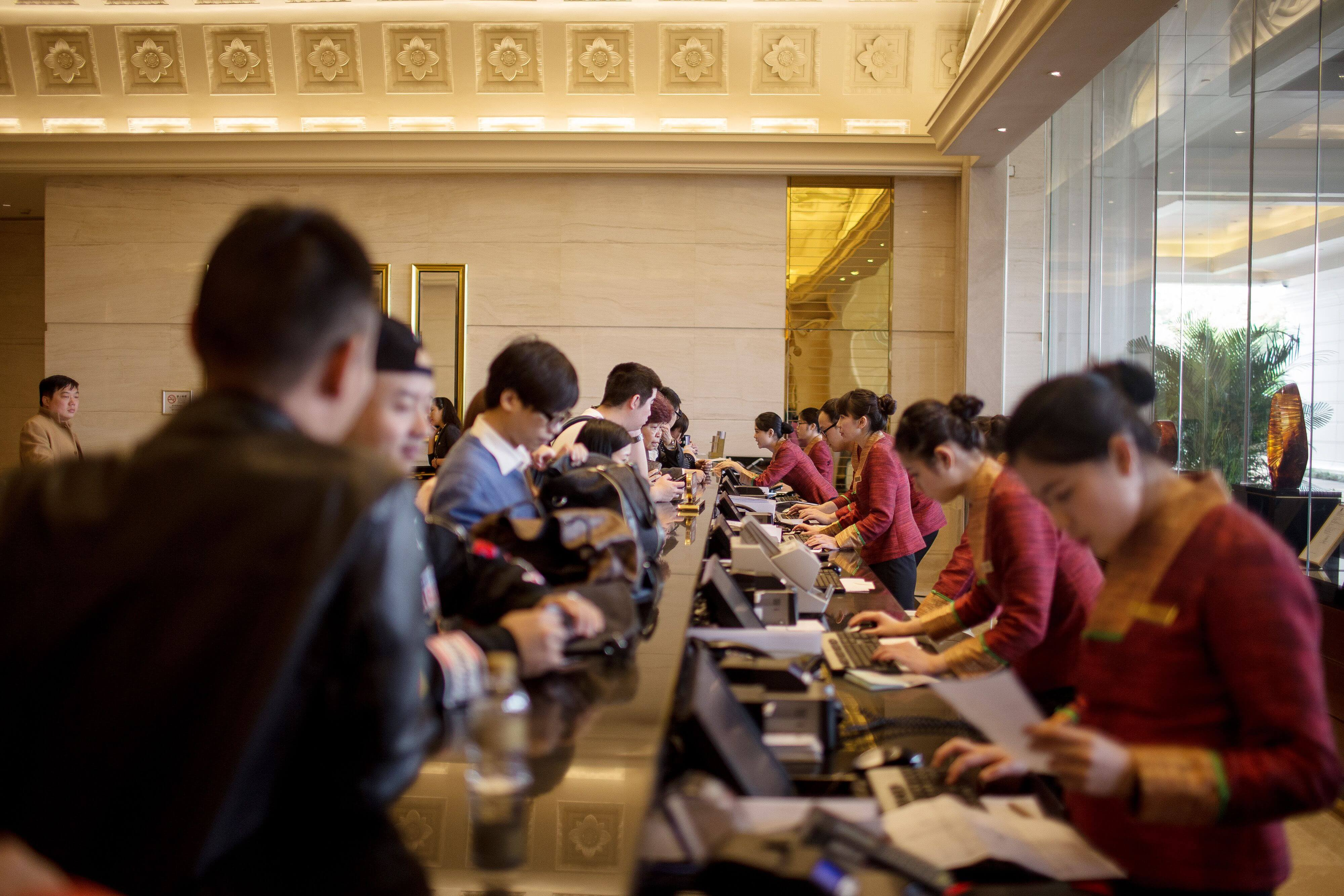 China's Service Sector Posts Moderate Growth In January