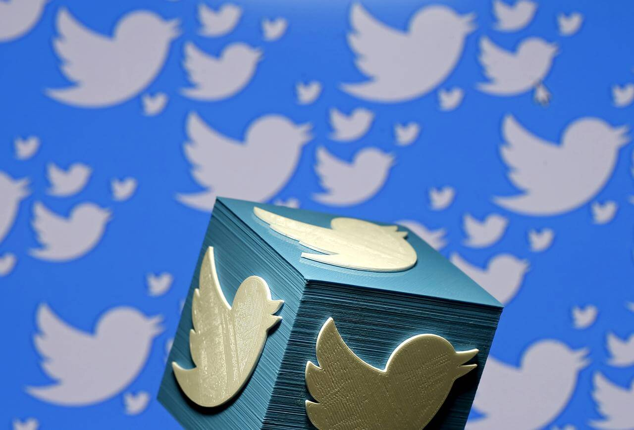 Weaker Revenue Forecast Sinks Twitter Shares